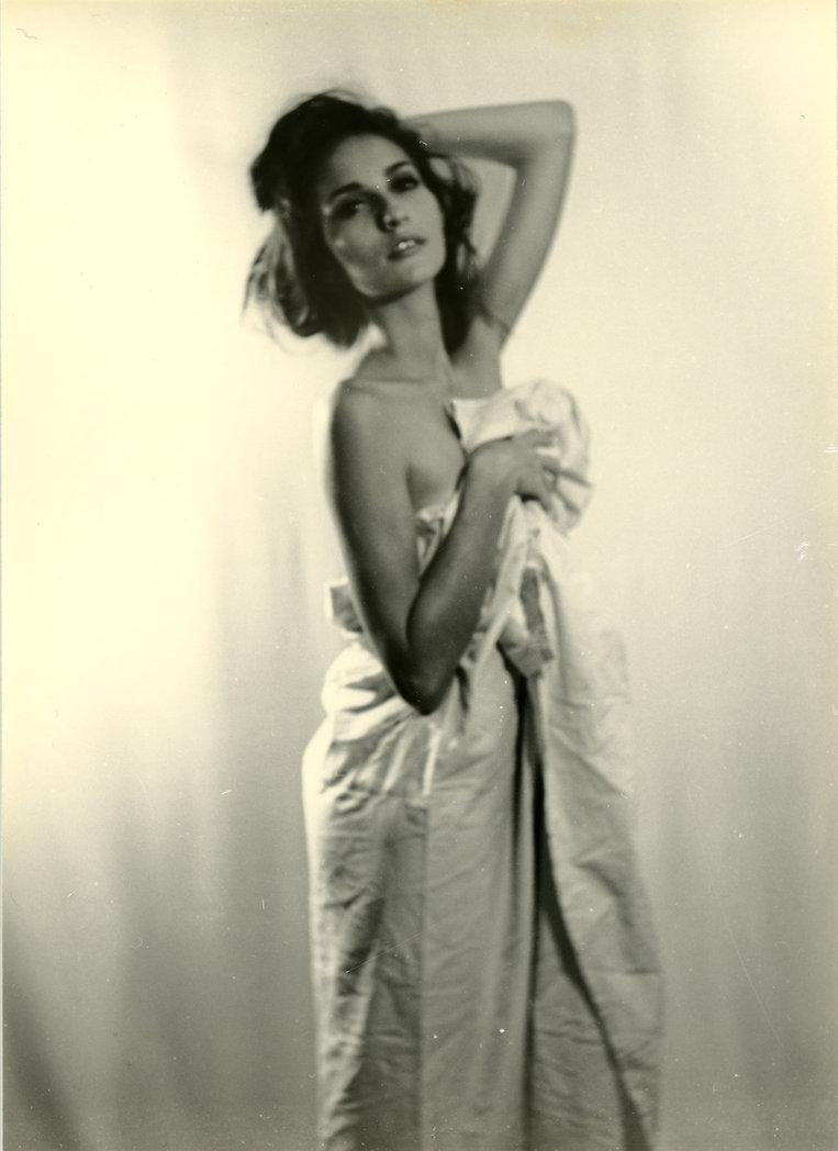 Francesca Posing by ~Robin-Bervini on deviantART